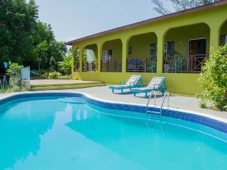 Northcoast Jamaica Paradise, Private beach,pool