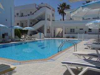 Michalis Apartments - Two Bedroom Apartment pax 4, Psalidi