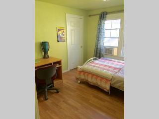 Private Room in Koreatown, Los Angeles