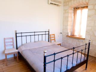 Stunning Old City Stones 2 Bedroom Holiday Rental, Safed