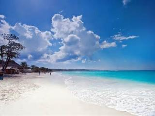 Captain's Cove Beach Resort and Villa, Falmouth
