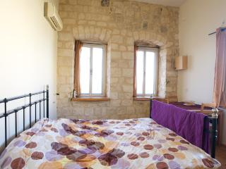 Charming Old City Safed Stone 2 BR Couples Getaway + Balcony & Private Entrance