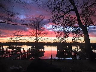 Beautiful Lakefront property with private dock for, Memphis