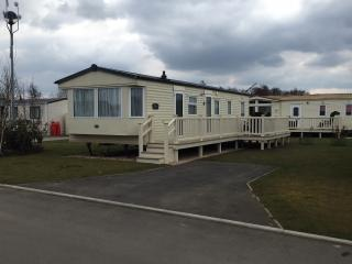 Static 8-berth Caravan, Tattershall Lakes, Lincs