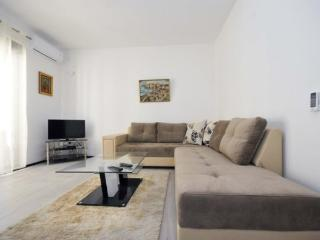 Onebedroom apartment for 4 in centre of Budva
