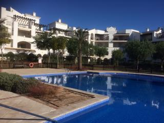 Ground Floor 2 Bedroom apartment, large terrace, Roldan