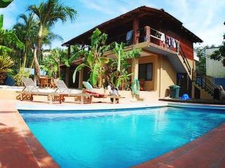 Casa Neptuno, Tamarindo
