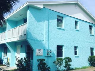 Sunnyside Up Townhome A in Jacksonville Beach, FL
