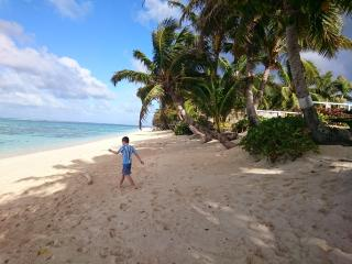 ANNS BEACH HOUSE Right on the Best Rarotonga Beach