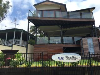 Hounddogs Beach House, Dicky Beach