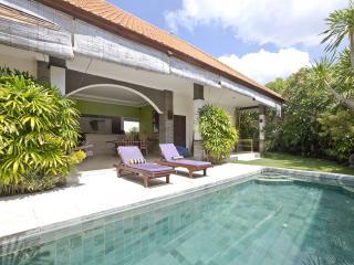 Relaxing villa near the beach