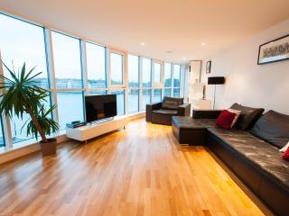 Thames Riverside Apartment, London