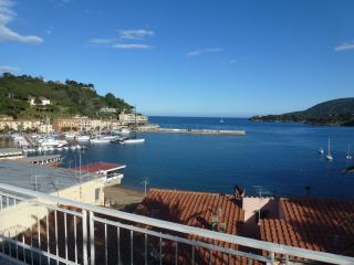 Villa panoramica con giardino a Porto Azzurro