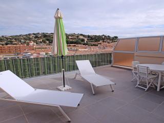 Studio au 4ème et dernier étage, au Centre ville, Sainte-Maxime