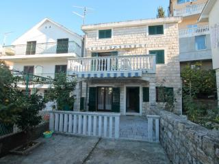 3-storey stone house near the sea, Herceg-Novi