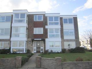 Flat B Queens House, The Esplanade, Frinton on Sea, Frinton-On-Sea