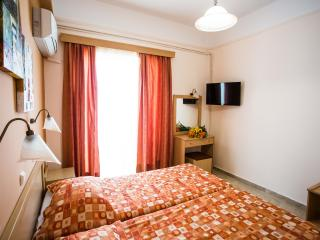 Room Tolo Beach for up to 2 pax