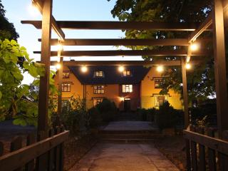 Chippenhall Hall sleeps 23 with indoor pool, sauna & outdoor tub., Fressingfield