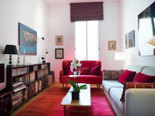 Modern and elegant apartment Plaza Colon, Madrid