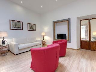The Wine Charm apartment in Oltrarno {#has_luxuri…, Florence
