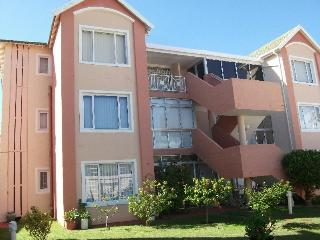 Astons Private Holiday Accomodation , Aston Bay SA - 2 BR,2 bath or 3 BR,2 bath.