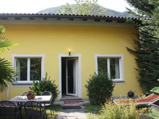 Rutsico-Villa Banana