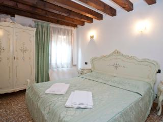 San Marco Frezzaria One Bedroom 2nd Floor