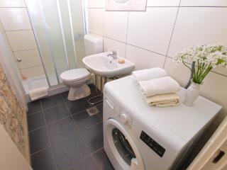 Apartment 3738, Fazana