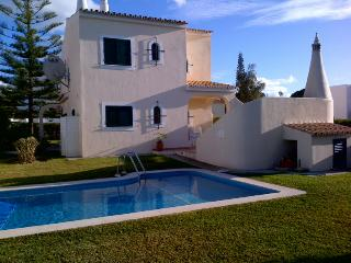 Beautiful 4 bedroom villa located near Old Village, Vilamoura with Heated Pool