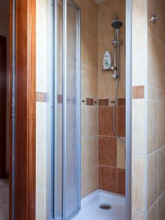 Chimney apartment - bathroom 1