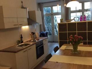 Large Studio in Centre for 4 Persons, Haarlem