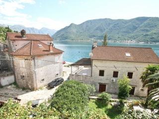 Beautiful stone house in Perast, 20m from the sea