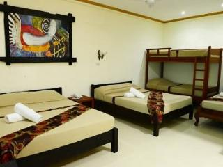 Cozy Room for 8 in Puerto Princesa!