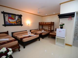 Grand Room for 8 in Puerto Princesa