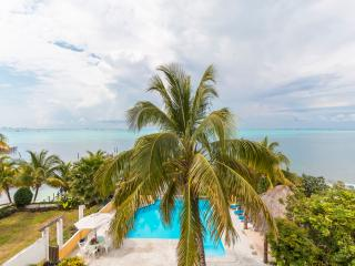 Beach Front Pent House Casa Bonita and Villas, Isla Mujeres