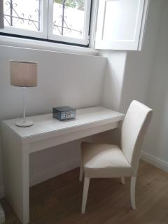 Desk/make-up table and chair