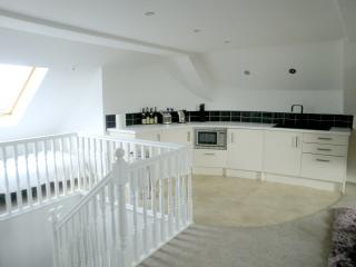 Luxury and Private Gated Apartment - Apt 5a