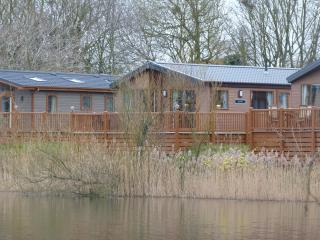 Bowman Lakeside Lodge