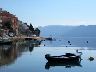Waterside Apt sleeps 8 Dalmatia Dubrovnik Neretva, Komarna