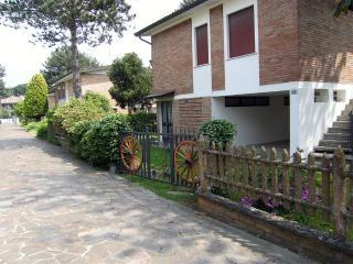 Villetta al 1° piano con ampio giardino su 4 lati, Lido delle Nazioni