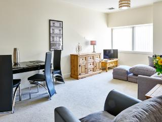 Charter House 2 bed serviced apartments in Milton, Milton Keynes