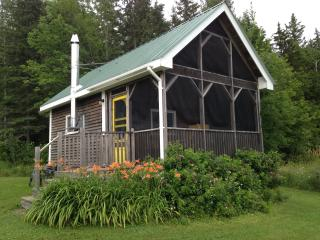 Cozy Country Cottage near River John Nova Scotia, Scotsburn