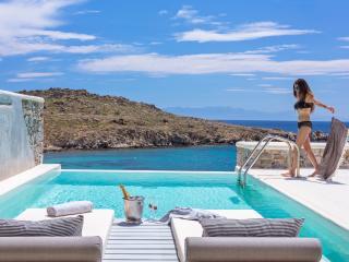 Villa Master Infinity Pool by Casa Del Mar Mykonos