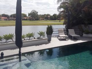 Villa on Golf Country Club of Miami for 8 people, Hialeah