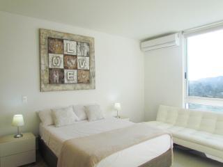 SOHO Apartasuites - Con Balcón SMR256A