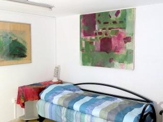 Bed in 5-Bed Mixed Dormitory Room (12), Gedera