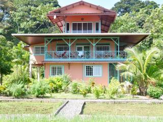 Casa Rosada Apt 1, Bocas Town