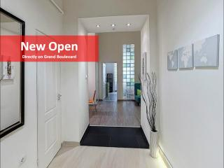 NEW! KIWI 4 Bedrooms on Grand Boulevard - Aircon