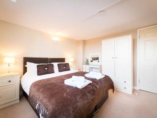 You -Time begins here - superb place, sleeps 6, York