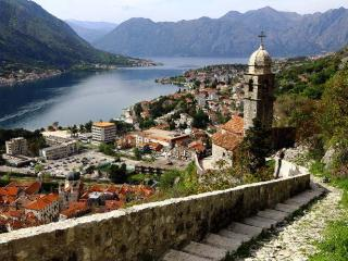 Grand 16th Century Apartment in Kotor, WiFi, Beach